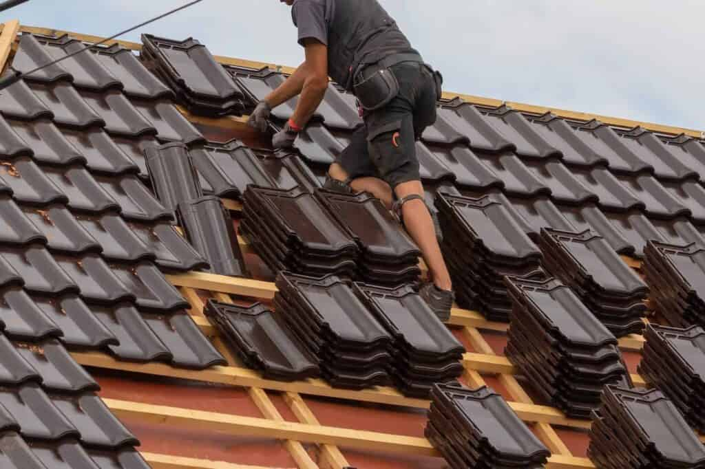 Miami Roofer Doing a Title Roof Replacement